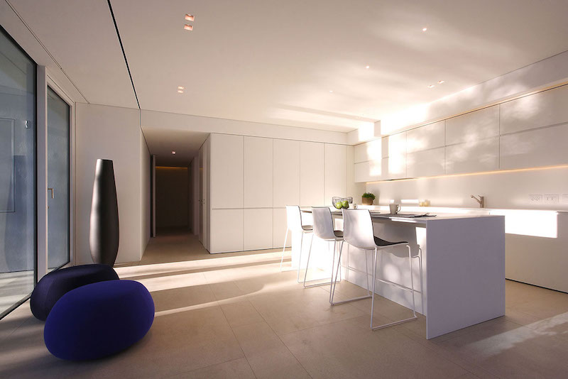 kitchen-ultra-modern-pool-villa-jesolo-lido