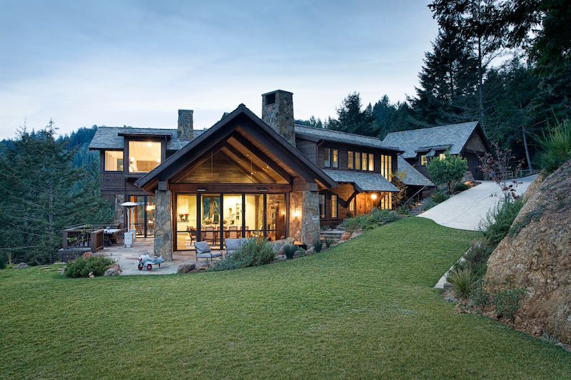 Eclectic mountain lodge by michael rex architects for Mountain home architects