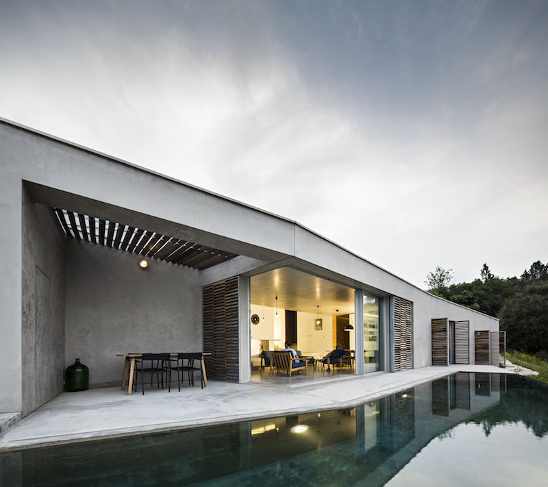 pool-area-gateira-house-camarim-arquitectos