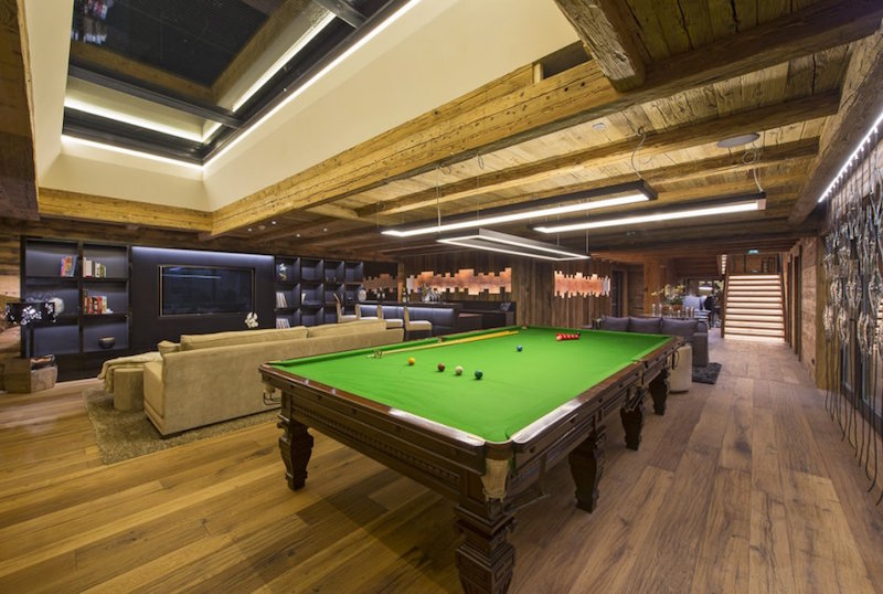 pool-table-chalet-uberhaus-lech
