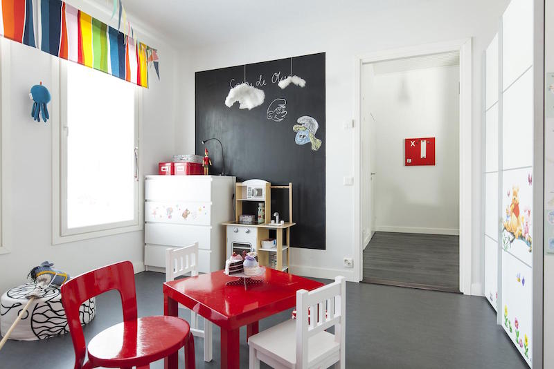 scandinavian-black-and-white-design-decor-kids-room