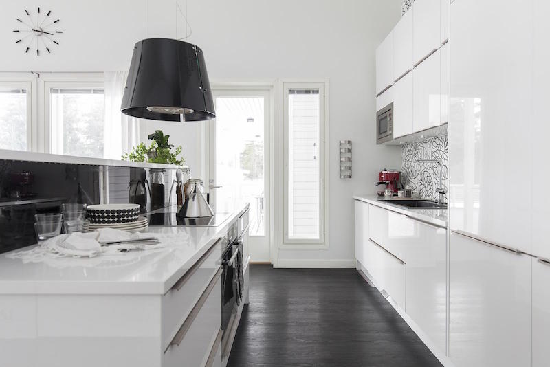scandinavian-black-and-white-design-decor-kitchen-cabinetry
