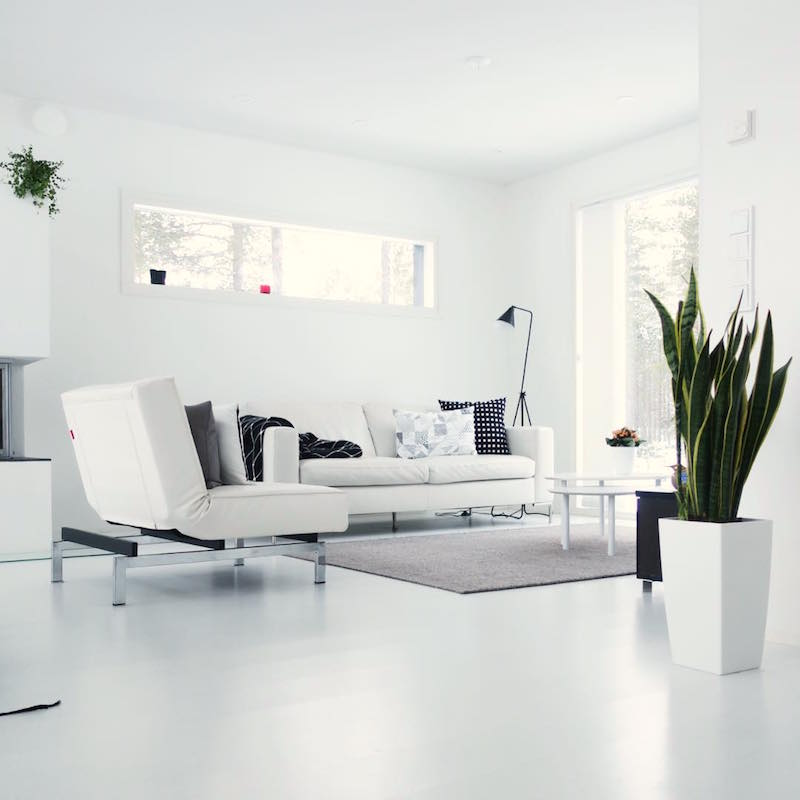 scandinavian-white-home-living-room