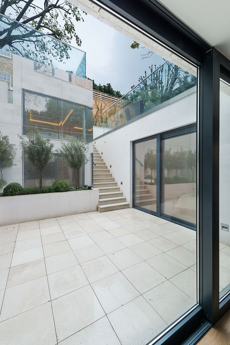 sliding-doors-courtyard-st-johns-wood-road