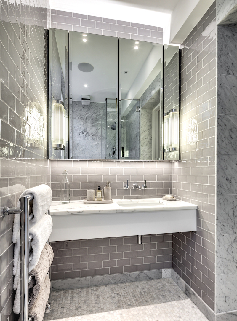 strand-gatti-house-peek-architecture-design-bathroom-gray