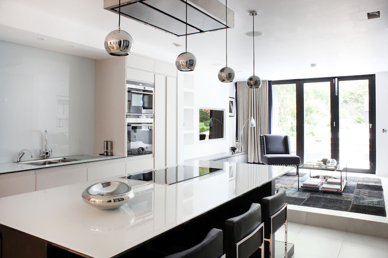 Sleek modern interiors of a victorian terrace house in fulham for Terrace kitchen ideas