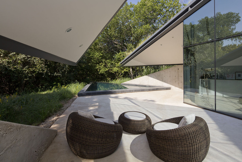 edgeland-house-terrace