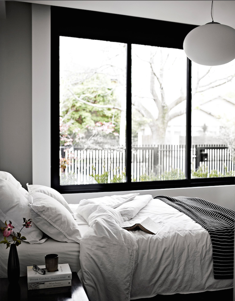 modern-family-house-bedroom-white-linen
