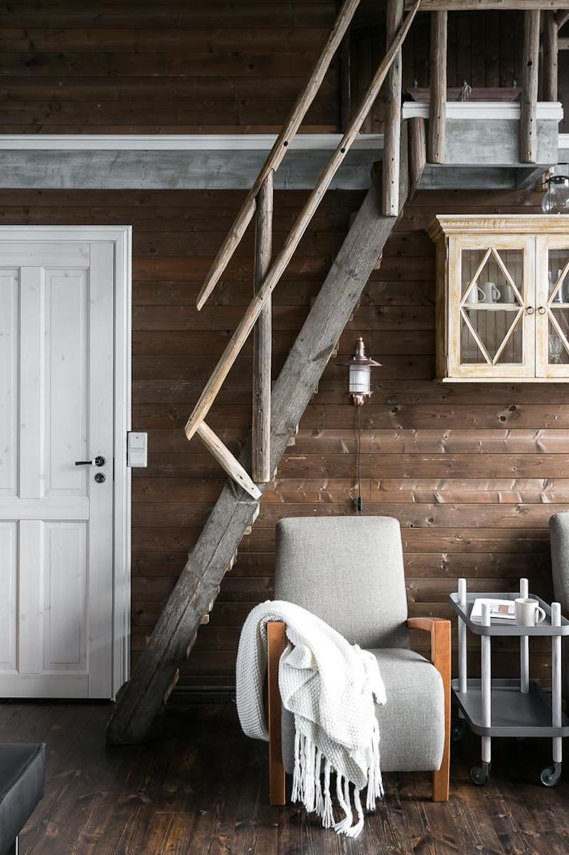 scandinavian-small-dream-house-wood