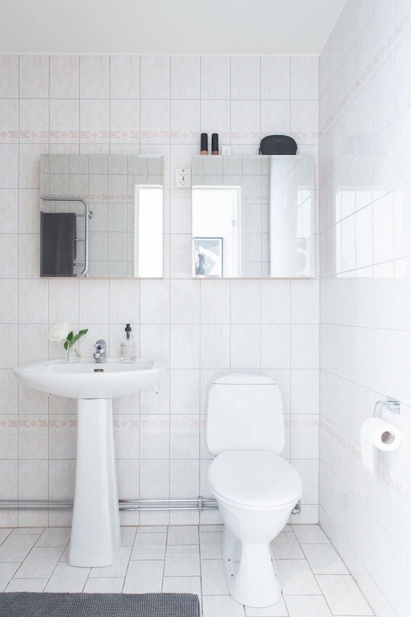 bright-scandinavian-interior-bathroom