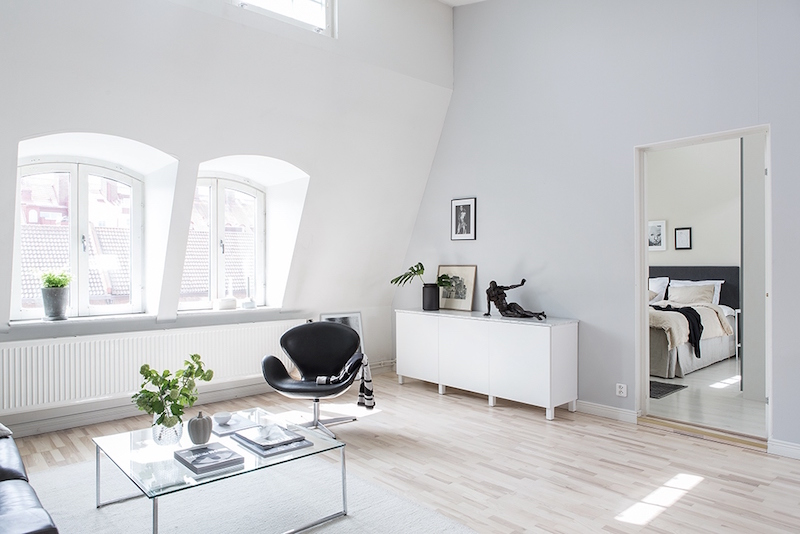 bright-scandinavian-interior-windows