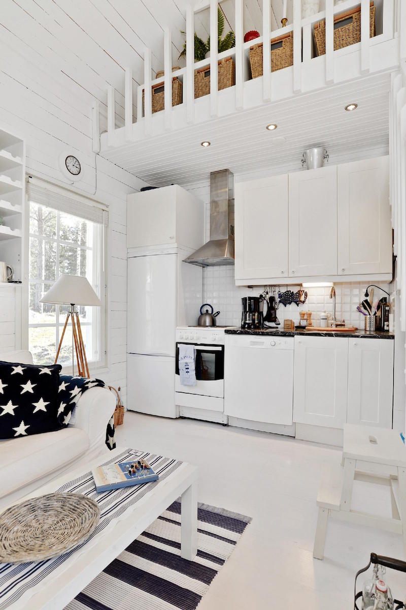 sea-house-white-beach-kitchen