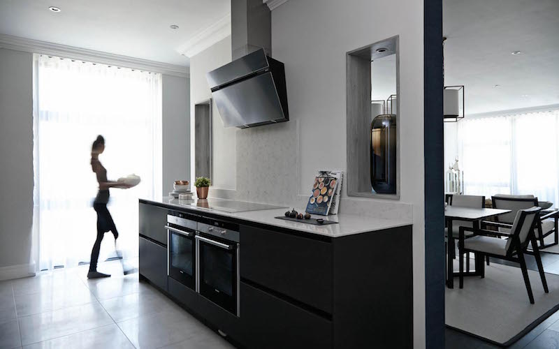 london-penthouse-kitchen-wall