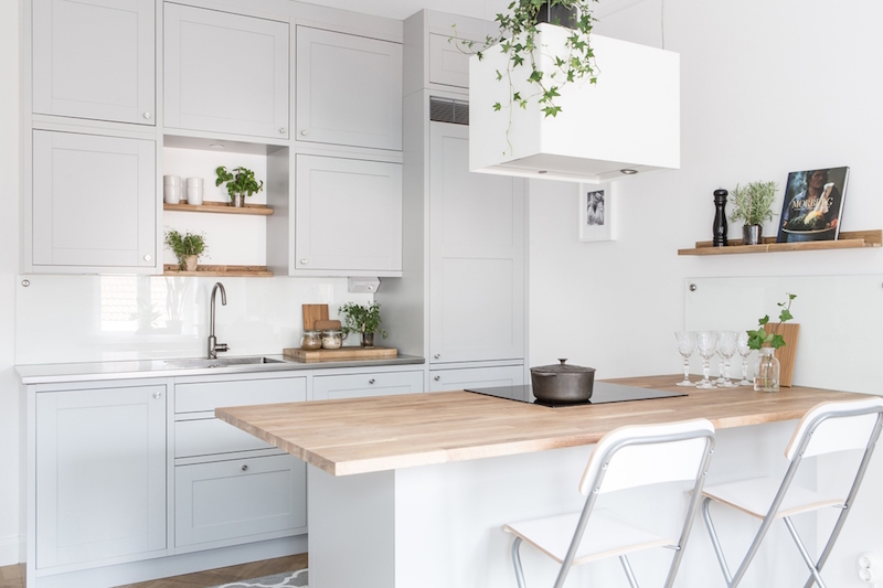 small-two-room-apartment-scandinavian-kitchen