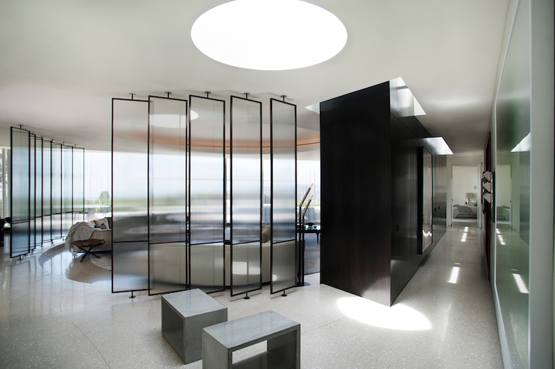 contemporary-home-beverly-hills-dividers