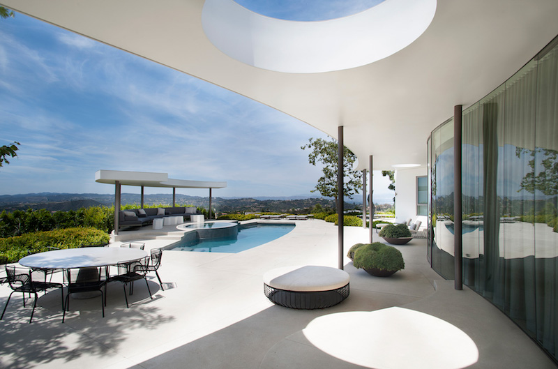 contemporary-home-beverly-hills-pool