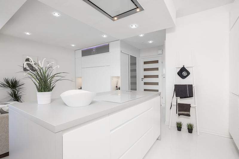white-interior-small-apartment-kitchen-island