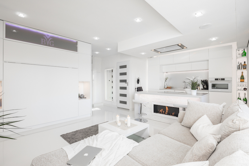 white-interior-small-apartment