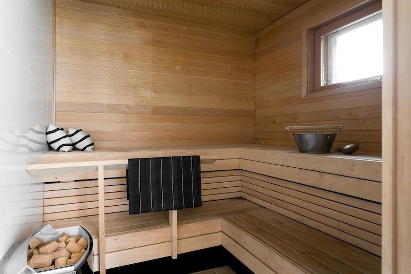 black-white-interior-scandinavian-sauna