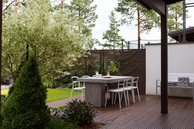 black-white-interior-scandinavian-terrace
