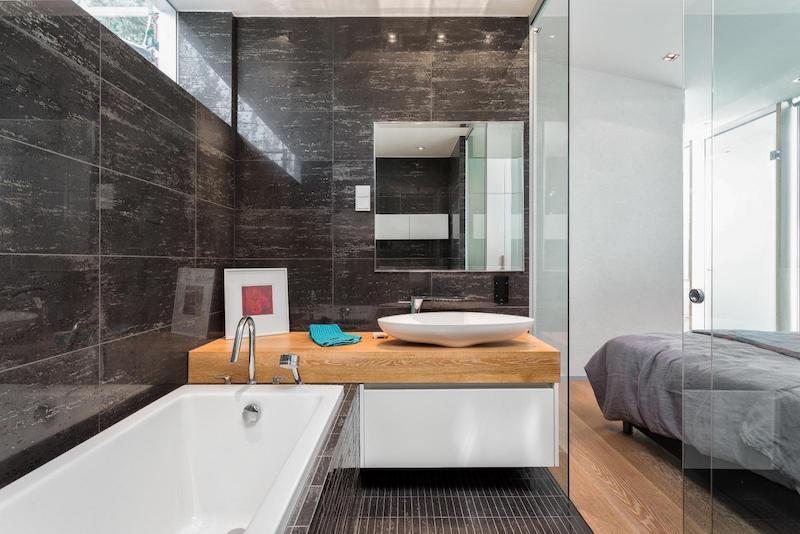 contemporary-house-architecture-bedroom-bathroom