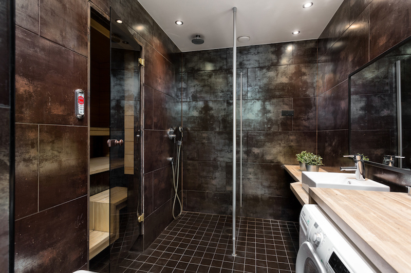contemporary-style-home-bathroom