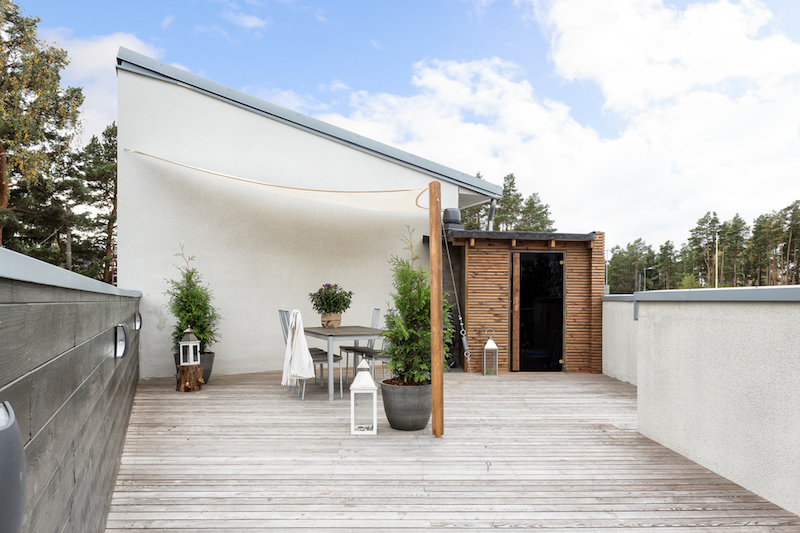 contemporary-style-home-terrace