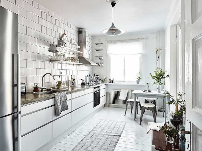 home-decor-in-scandinavia-kitchen-white