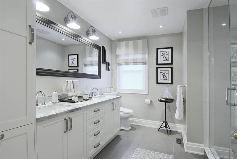 Elegant white bathroom interior by marianiLIND